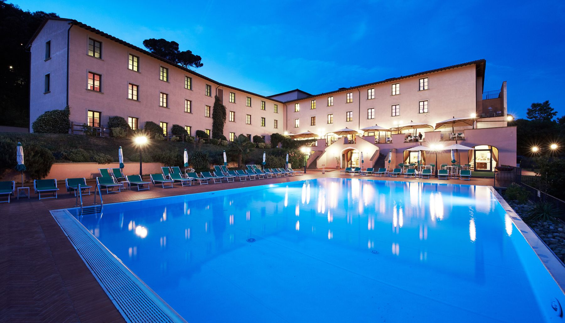 Hotel a volterra park hotel le fonti 4 stelle con for Appart hotel park and suites